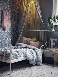 Eddas Rum Kidsroomdecor Kids Room In 2019 Kids Bedroom Girls Bedroom, Bedroom Decor, Kid Bedrooms, Bedroom Ideas, Trendy Bedroom, Bedroom Lighting, Interior Lighting, Kids Room Wallpaper, Bedroom Wallpaper