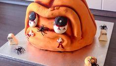 Eine leckere Halloween Torte selber backen Halloween Torte Backen, Refrigerator Pickles, Hot Dog, Pumpkin Carving, Ronald Mcdonald, Buffet, Deserts, Halloween Face Makeup, Food And Drink