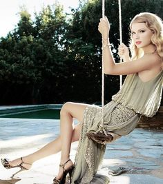 I love this picture! She looks so sweet and gorgeous and sooo perfect. It's like magical, kind of enchanted