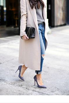 sneakers and pearls, streetstyle, beige coat,ripped jeans, grey pumps, Chanel bag, trending now, miss zeit.png