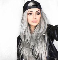 ginizzle Gina Lorena M Gina Lorena, Silver Grey Hair, Silver Hair Colors, Grey Hair Colors, Short Silver Hair, Cute Hair Colors, Silver Color, Hair Shades, Ombre Hair Color