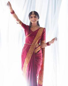 South Indian Bride Saree, Indian Bridal Sarees, Indian Bridal Outfits, Indian Bridal Fashion, Casual Dress Outfits, Simple Outfits, Saree Color Combinations, Saree Draping Styles, Silk Saree Kanchipuram