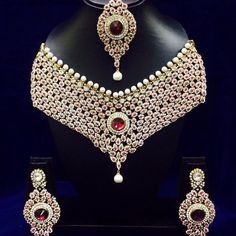 cfa6eef9e3 Shop beautiful Necklaces, Pearl Necklace and Gold Necklaces Jewellery Sets  Online. Indian Market Place