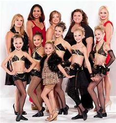 Love the show Dance Moms but can't stand Abby Lee Miller. Dance Moms Dancers, Dance Mums, Dance Moms Girls, Ballet Dancers, Abby Lee Miller, Niñas Del Reality Show Dance Moms, Divas, Toddlers And Tiaras, Dance Company