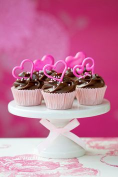 Valentine Raspberry Cupcakes - Cupcake Daily Blog - Best Cupcake Recipes .. one happy bite at a time!