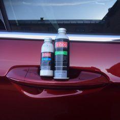 Innholdet i disse flaskene gir deg en superblank og varig lakk-og glassbehandling for bilen din. Tåler veismuss, oljesøl, UV-stråler, fuglelim...det meste blir en lek å spyle av. #stroken_bil #triboscoatings #tribosnorge