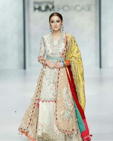 Whatsapp me 00923064010486 Desi Wedding Dresses, Pakistani Wedding Outfits, Pakistani Bridal Dresses, Wedding Wear, Simple Pakistani Dresses, Pakistani Dress Design, Indian Dresses, Indian Bridal Photos, Walima Dress