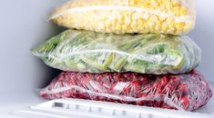 Tommy's Freezer Organization Tips With the holidays right around the corner, it's the perfect time to get organized. Check out our freezer organization tips to make your season bright! Green Giant Veggie Tots, Freezer Organization, Refrigerator Organization, Organization Ideas, Storage Ideas, Crispy Chocolate Chip Cookies, Small Refrigerator, Dieta Fitness, Puppy Food