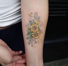 Floral tattoo is a good option when people prefer tattoos. Floral tattoos also very beatuiful on arms.These Floral tattoos ideas with different expression are highly praised if you try on your arms. Sunflower Tattoo Small, Small Flower Tattoos, Sunflower Tattoos, Small Tattoos, Floral Tattoos, Tattoo Flowers, Inner Forearm Tattoo, Forearm Tattoos, Body Art Tattoos