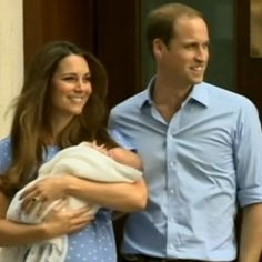 @goodmorningamerica - The first glimpse of the #RoyalBaby! With mum and dad William and Kate!