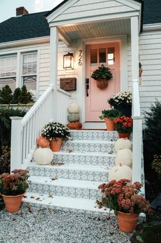 Fall Front Porch and Tile Front Steps - Nesting With Grace Fall Front Porch Ideas with Tile Front Steps Painted Front Porches, Small Front Porches, Front Porch Design, Front Porch Stairs, Porch Steps, Diy Porch, Front Stoop, Diy Front Porch Ideas, Door Steps