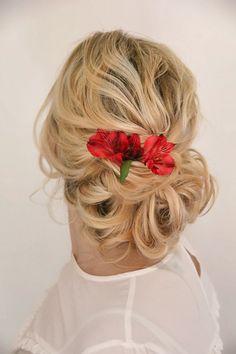 A Beautiful soft & airy hair up #bridetobe #bridalhair #hairupideas #hairinspo #hairblog #bridalhair #bridalinspiration Date Hairstyles, Wedding Hairstyles, Airy Hair, Bridal Hair Up, Red Carpet Hair, Hair Blog, About Hair, Bridesmaid Hair, Wedding Trends