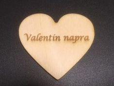 Szív nagy 'Valentin napra' 5 db/csomag, Mérete: 5,6 cm széles, 5 cm magas Valentino, Music Instruments, Musical Instruments