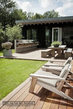 Timber outdoor furniture: Piet-Jan van den Kommer