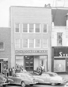 Montgomery Ward next to Stein Brothers, Fayetteville NC