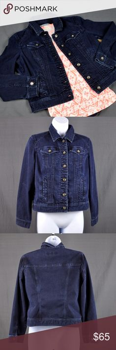 "Chico's Platinum Denim Jean Jacket Size 0/Small NOTE Chico's uses vanity sizing: Size 0 is not a true 0, it a 4 or size small equivalent. Denim Jean jacket in good pre-loved condition. No rips, stains or tears, just some color fade at seams from washing and wearing.  76% cotton, 22% polyester, 2% spandex. Faux Crystal buttons, side slit pockets. Measured flat: bust: 19"", length: 20.5, sleeve length: 22"". Smoke free, pet friendly home. ❤offers via offer button ❤bundles ❌trades Check out my…"