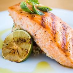Healthy Recipes Honey Sriracha Lime Salmon - This recipe takes spicy and sweet to a whole new level. Honey Sriracha Lime Salmon is cooked till it's tender and flaky in just 40 minutes with a delicious sriracha and honey lime glaze. Grilling Recipes, Fish Recipes, Seafood Recipes, Gourmet Recipes, Mexican Food Recipes, Cooking Recipes, Healthy Recipes, Cooking Ideas, Healthy Meals