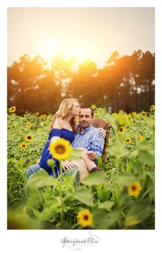 sweet couples engagement photo shoot with sunflowers