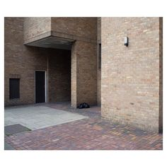 by Sam Shuff @samshuff for #Minimalzine -------------------------------------------- #photographeroftheday#featured#minimal#minimalmood#minimalism#minimalist#minimalphoto#photozine#zine#journal#contemporaryart#visualarts by minimalzine