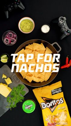 Doritos® Bolder Nachos // Doritos® Naturel en Guacamole: Perfect om Nachos mee te maken! Proef de extreme crunch en de verse bite van onze geroosterde maïs tortilla chips. For the Bold®. Doritos, Tortilla Chips, Bbc Good Food Recipes, Yummy Food, Healthy Breakfast Recipes, Clean Eating Recipes, Pepper, Cheesy Recipes, Food Platters