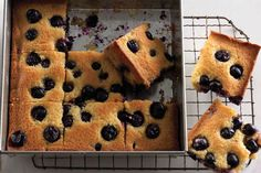 Concord Grape Cornmeal Cake by Bon Appetit Magazine. Serve this cake at brunch, or for dessert with a scoop of ice cream. Fig Recipes, Quick Bread Recipes, Cake Recipes, Sweet Recipes, Dessert Recipes, Quick Dessert, Frosting Recipes, Yummy Recipes, Cotton Candy