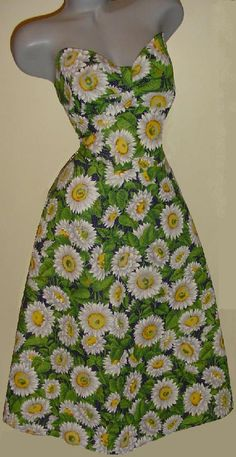 Big Beautiful Barbara Brown Crushing Daisies dress