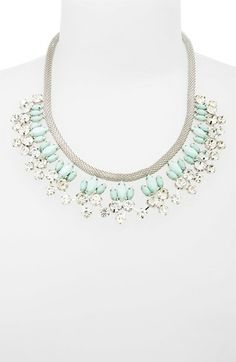 beautiful floral statement necklace http://rstyle.me/n/kjsd5r9te
