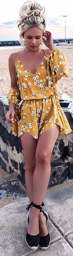 the best romper ever / yellow accents