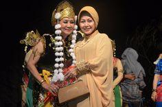 Indrawati Lukman. Penari Tradisi. Sunda. https://www.facebook.com/indrawati.p.lukman
