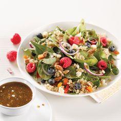 Salade de quinoa, noix et petits fruits - 5 ingredients 15 minutes Pasta Salad, Cobb Salad, Nutrition, Couscous, Lunch, Ethnic Recipes, Food, Quinoa Salad, Vegetarian Meal