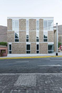 Gallery of Alto del Carmen Town Hall / Espiral + Iglesis-Prat Arquitectos - 4