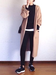 So, never downplay the necessity of stylish fashion choices. Tomboy Fashion, Cute Fashion, Look Fashion, Daily Fashion, Everyday Fashion, Spring Fashion, Korean Street Fashion Urban Chic, Urban Fashion, Mode Outfits