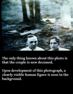You don't need horror movies and ghost stories because real life is scary enough! Creepy Stories, Ghost Stories, Horror Stories, Real Ghost Photos, Scary Ghost Pictures, Ghost Pics, Creepy Ghost, Creepy Photos, Images Terrifiantes
