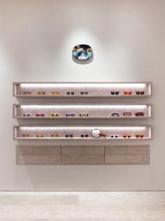 London: Casa Loewe opening – superfuture © Loewe Eyewear Shop, Window Display Design, Accessories Display, Retail Store Design, Retail Merchandising, Shop Interior Design, Interior Ideas, Optical Shop, Retail Interior