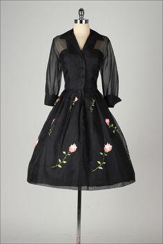 Vintage 1940&-39-s dress ...vavavoom forties navy cotton full skirt ...