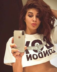 Jacqueline Fernández looking hot 🔥 Mode Bollywood, Bollywood Heroine, Indian Bollywood Actress, Beautiful Bollywood Actress, Most Beautiful Indian Actress, Bollywood Stars, Bollywood Fashion, Beautiful Actresses, Bollywood Images