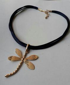 Collar corto de Creaciones Little Flower. Bisutería fina 100% artesanal.