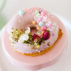 Donut anyone? Cake donut I meant 🐰I can't believe Easter is coming up so soon and we still have snow all over. Donuts, Panna Cotta, Easter, Snow, Canning, Cake, Ethnic Recipes, Kids, Pie Cake
