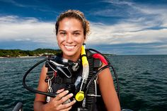Female Scuba Diver Portrait foto