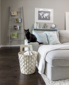 I want the cat and the color palette. [Valspar's Magic Spell-paint color-jennasuedesign.blogspot.com]