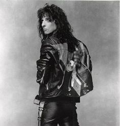 Find Alice Cooper biography and history on AllMusic - The man (and the band) who first brought shock… Alice Cooper, Rock N Roll, Rock Music History, The Hollywood Vampires, Steven Tyler, Orphan Black, Rock Legends, My Favorite Music, Hard Rock