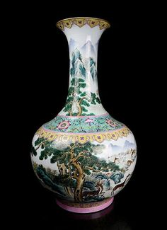 A Super Size Chinese Qing Dynasty Qianlong (1711-1799) Famille Rose Landscape and Deers Porcelain Vase with a Mark of Qianlong, Size: H*D 70*38cm,