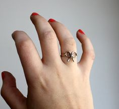 Delicate and feminine. The perfect everyday ring.