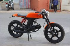 Moped 50cc Motorbike, Moped Bike, Scrambler Moto, Scooter 50cc, Small Motorcycles, Honda Motorcycles, Custom Motorcycles, Custom Bikes, Honda S90