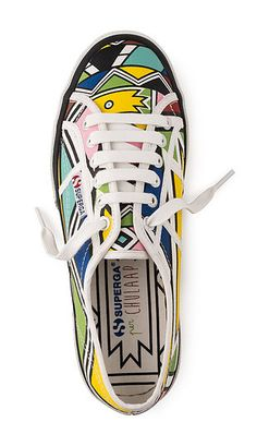 There African Print Sneakers are one of a kind! Find the best African Print Sneakers Stores online and Shop Your Favorite Ankara Shoes with Style! Kitenge, African American Fashion, African Style, Ankara, African Inspired Clothing, Baskets, Style Ethnique, Sneaker Stores, Shoe Art