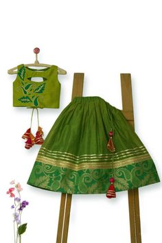 Luxurious Designer Ethnic wear for 0-14Y! Sign up for Flat 10% off! Worldwide Shipping! #stylemylo #onlineshoppingforkids #designer #kidsdesignerwear #babygirls #babyboys #ootds #festivecollection #designerethnicwear #designerwearforkids Girls Frock Design, Kids Frocks Design, Baby Frocks Designs, Baby Dress Design, Baby Girl Party Dresses, Dresses Kids Girl, Kids Outfits, Kids Dress Wear, Kids Gown