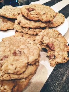 72 Delicious Lactation Cookies Recipes That Actually Work Apricot Chocolate Cookie Chocolate Crinkles, Chocolate Toffee, Chocolate Recipes, Oat Cookies, Lactation Cookies, Food For Breastfeeding Moms, Breastfeeding Cookies, Breastmilk Cookies, Lactation Recipes