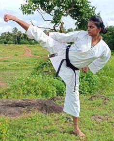 Female Martial Artists, Martial Arts Women, Yoko, Jiu Jitsu, Karate, Barefoot, Kicks, Fitness, Sports