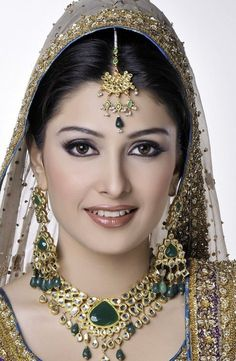 Differences between Engagement & Wedding Make-up, What Are They? – Amereen Anand Differences between Engagement & Wedding Make-up, What Are They? Aiza Khan Bridal Looks indian-pakistani-brides-jewelery-makeup-and-access Beautiful Girl Photo, Beautiful Girl Indian, Most Beautiful Indian Actress, Beautiful Bride, Beauty Full Girl, Beauty Women, Bridal Looks, Bridal Style, Pakistani Bridal Makeup