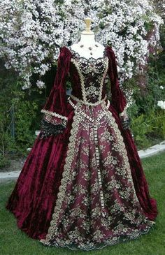 Details about Medieval Bridal Wedding Dress LOTR Renaissance Fantasy LARP Lavender Fairy Gown - Historical Dresses Mode Renaissance, Renaissance Costume, Renaissance Fashion, Renaissance Clothing, Victorian Fashion, Vintage Fashion, Renaissance Wedding, Renaissance Outfits, Steampunk Fashion